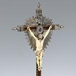 """""""Crucificado con Dolorosa"""" Marfil. Vendido en 4700€"""