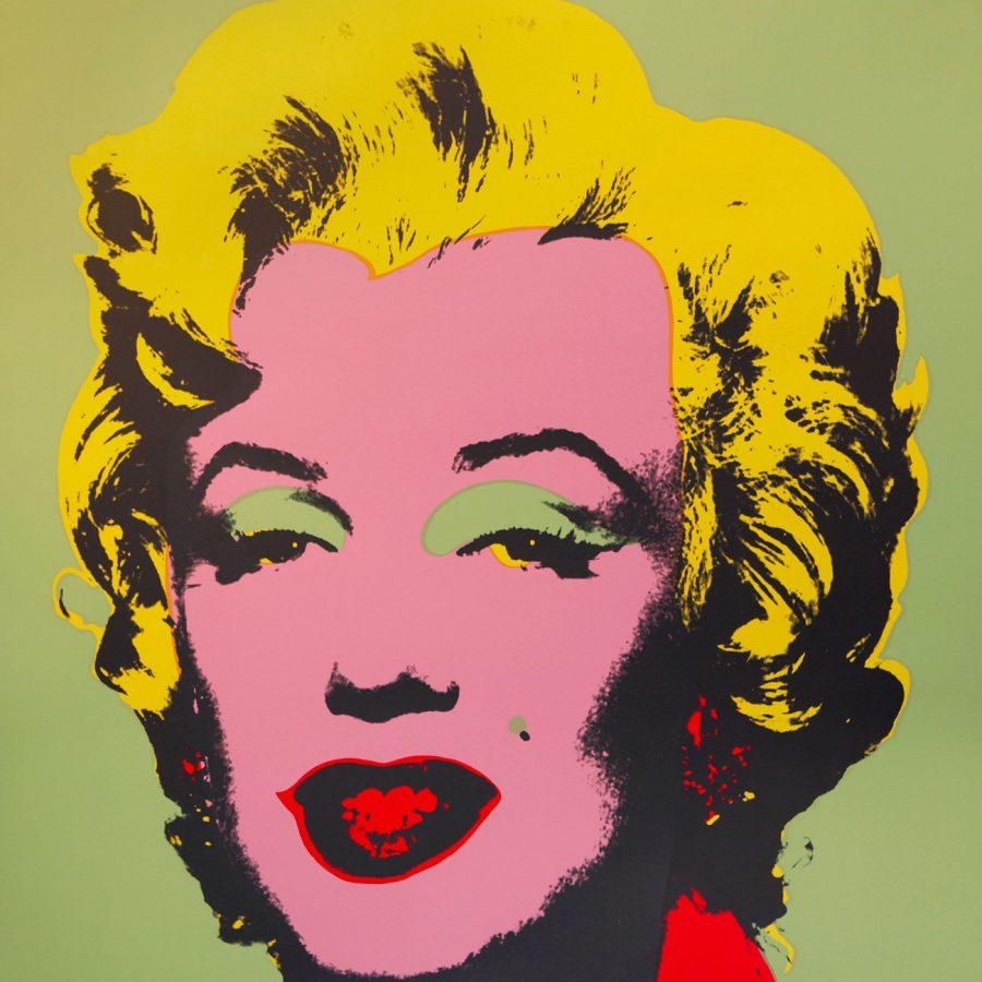 A través de nuestra categoría de Obra gráfica podrás regalar desde un Tàpies hasta una obra del mismísimo impulsor del pop Art, Andy Warhol.