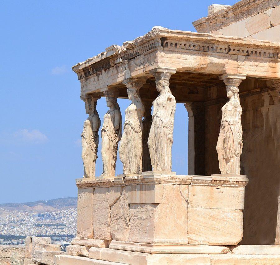 Cariátides en el Erecteión, en el Acrópolis de Atenas.